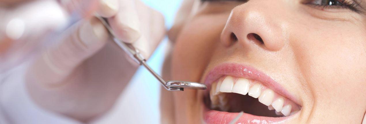 Взрослая стоматологияОрганизм взрослого человека многими факторами отличается от детского, и в первую очередь это касается полости рта...